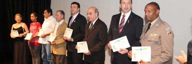 Liga de Defesa Nacional do Estado homenageia a ADESG/RS.